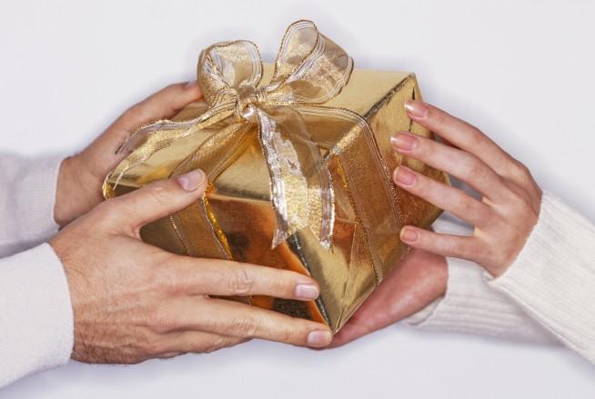 100 лучших подарков мужчине на день рождения